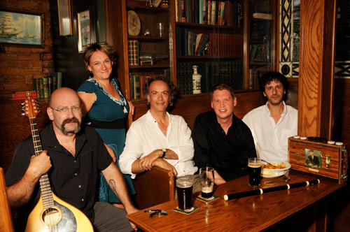 Dowlin-in-Dublin_photo-groupe_2_WEB